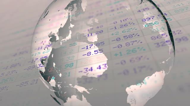 vídeos de stock e filmes b-roll de stock exchange market with globe rotating - mapa múndi