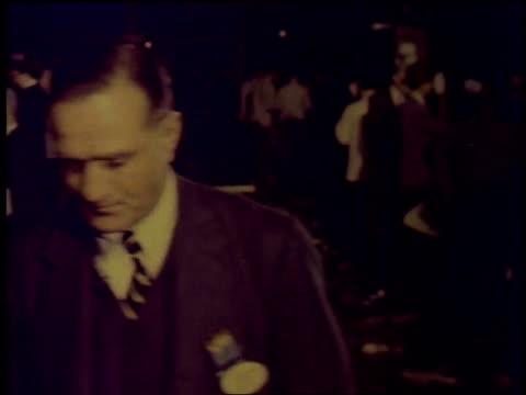 stockvideo's en b-roll-footage met 1957 montage stock exchange trading floor / new york city, new york, united states - 1957
