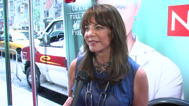 stockard channing on what her brings her out tonight on what she is wearing at the world premiere of showtime's 'nurse jackie' at new york ny - nurse jackie video stock e b–roll