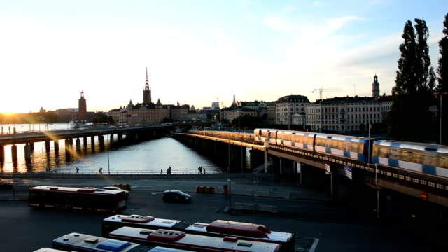 vídeos de stock, filmes e b-roll de estocolmo cidade ao pôr-do-sol - vista da cidade