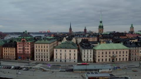 vídeos y material grabado en eventos de stock de antena: ciudad estocolmo, casco antiguo - sweden
