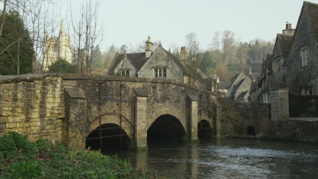 WS PAN Stone bridge and houses, Castle Combe, United Kingdom