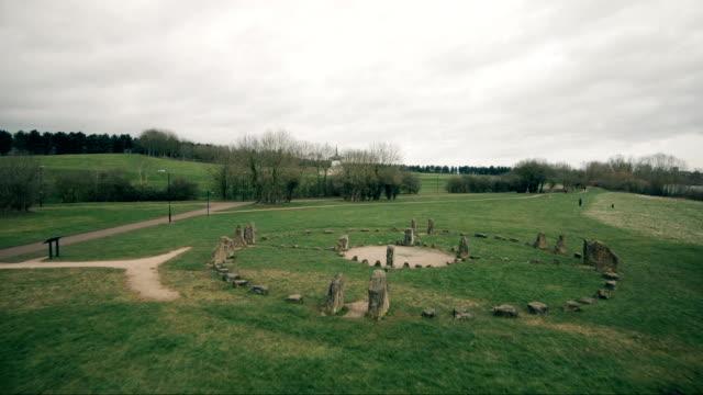 英国の公園でストーン サークル - 先史時代点の映像素材/bロール