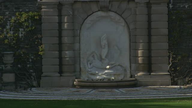 aerial stone fountain in the gardens of kykuit, the rockefeller estate / mt. pleasant, new york, united states - ジョージア調点の映像素材/bロール