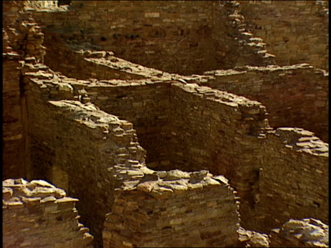 stone walls mark off rooms in the ruins of pueblo-bonito in chaco canyon. - chaco canyon stock videos & royalty-free footage