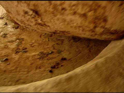 オリーブストーンホイール圧搾 - 聖地パレスチナ点の映像素材/bロール
