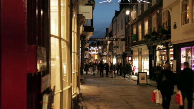 stonegate at christmas, sheffield, south yorkshire, england, uk, europe - sheffield stock videos & royalty-free footage