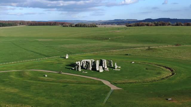 stonehenge, salisbury plain, wiltshire, england - obelisk stock videos & royalty-free footage