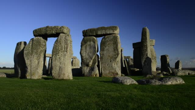 stonehenge stone circle. - stonehenge stock videos and b-roll footage