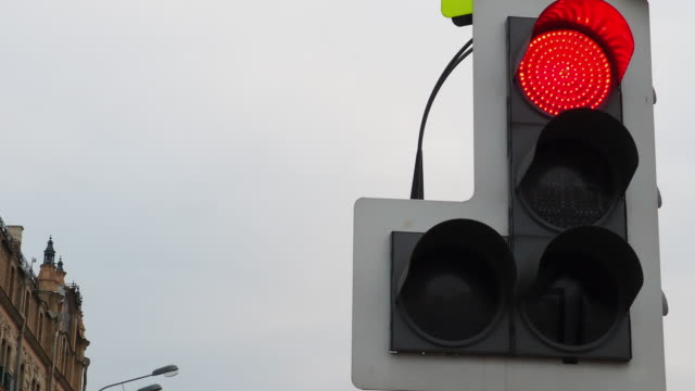 Stoplight turning from red to green