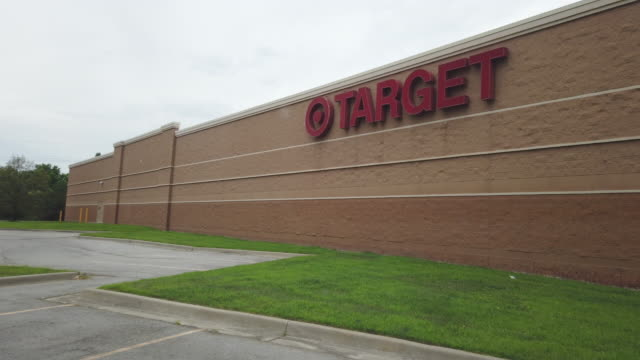 store sign of the target's store in kansas, usa amid the 2020 global coronavirus pandemic - missouri stock videos & royalty-free footage