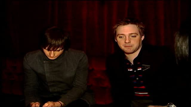 vídeos de stock, filmes e b-roll de stories behind brit awards ricky wilson interview sot when we wrote our first batch of songs many years ago we wrote them to play live / that's way... - título de álbum