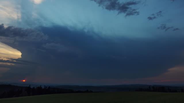 vidéos et rushes de storm cloud 2 - orage