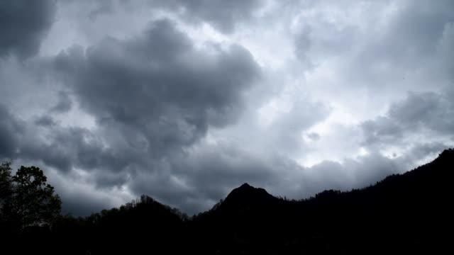 storm cloud timelapse in smoky mountain national park - tennessee stock videos & royalty-free footage