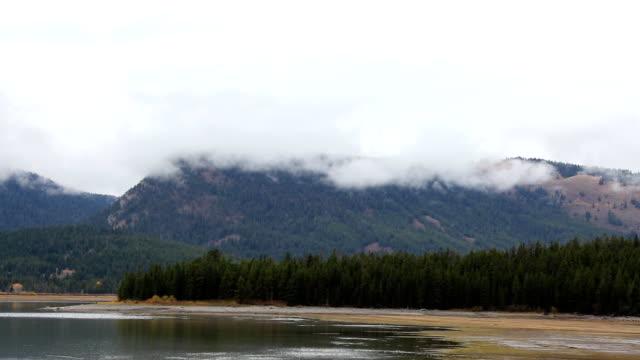 stürmischen wolken auf berge und tops - grand teton stock-videos und b-roll-filmmaterial
