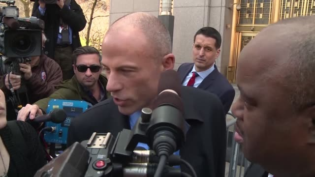 stormy daniels lawyer michael avenatti reacts to the decision by donald trump's lawyer michael cohen not to incriminate himself by pleading the fifth... - stormy daniels video bildbanksvideor och videomaterial från bakom kulisserna