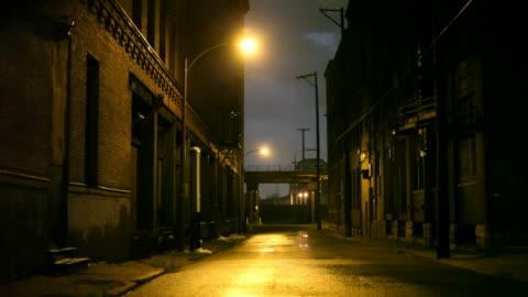 ストーミーの夜 - 路地点の映像素材/bロール