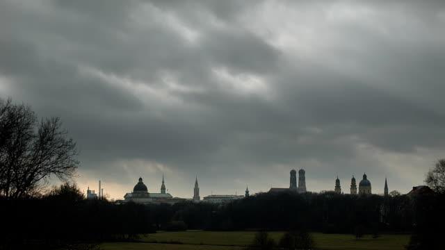 Stürmischen Himmel über München