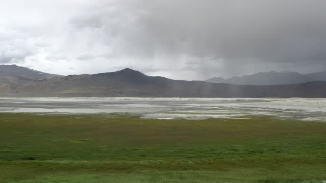 stormy weather with rain over tso kar lake, rupshu plateau, ladakh, india - majestic stock videos & royalty-free footage