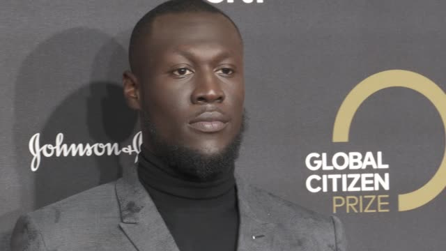 stormzy at global citizen prize at royal albert hall on december 13, 2019 in london, england. - royal albert hall点の映像素材/bロール