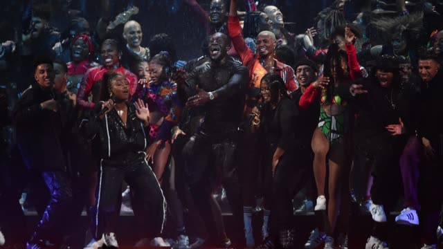 gif stormzy performs during the brit awards 2020 at the o2 arena on february 18 2020 in london england - ブリット・アワード点の映像素材/bロール