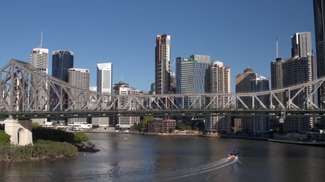story bridge, brisbane city, queensland, australia - waterfront stock videos & royalty-free footage