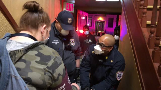 tri-state ems workers confront steady stream of coronavirus cases. even as the number of coronavirus-related calls decline in some new york city... - 動画レポート点の映像素材/bロール