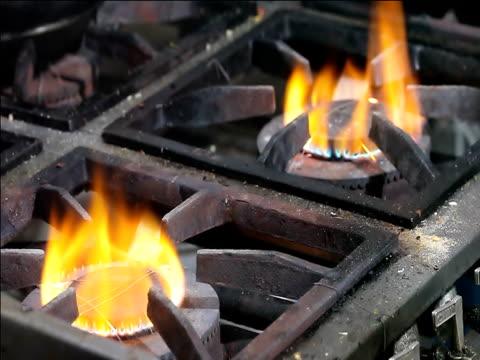 herd top fire - brennbar stock-videos und b-roll-filmmaterial