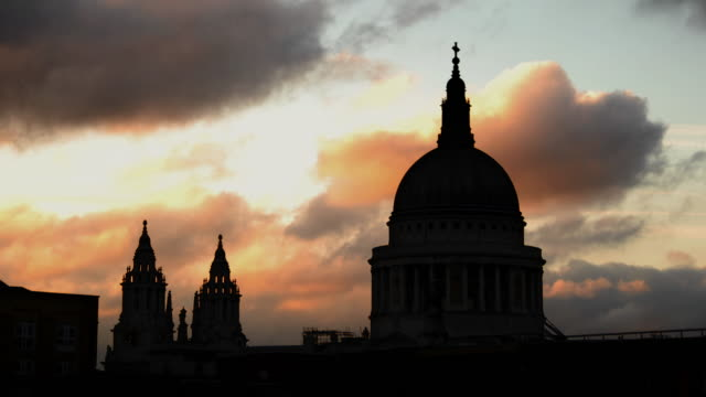 st.pauls cathedral silhouetted against darkening clouds - anglican stock videos & royalty-free footage