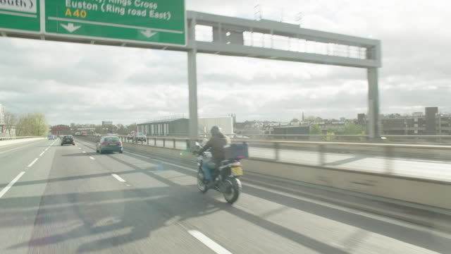 straight forward process london expressway - moving process plate stock videos & royalty-free footage