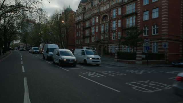 straight forward process london streets - moving process plate stock videos & royalty-free footage