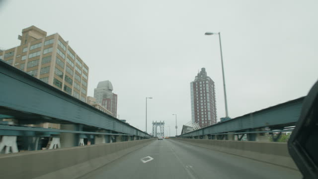 straight forward process nyc manhattan bridge - driving plate stock videos & royalty-free footage
