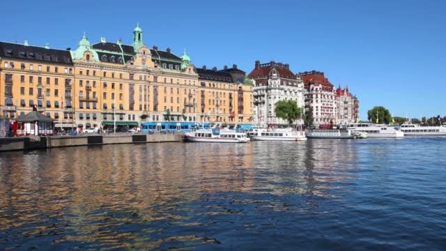 strandvägen and nybroviken in stockholm - moor stock videos & royalty-free footage
