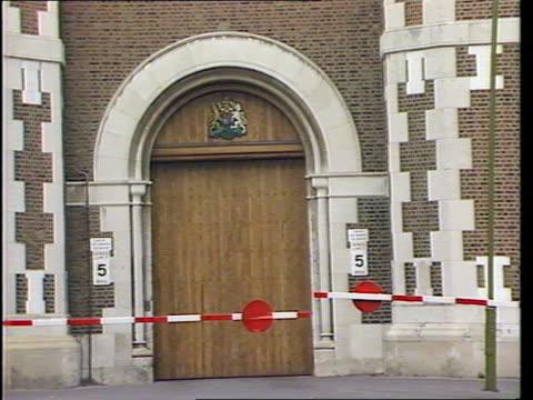 background london wormwood scrubs prison gv prison gates pull tx1490/948pm - hm prison manchester stock videos & royalty-free footage