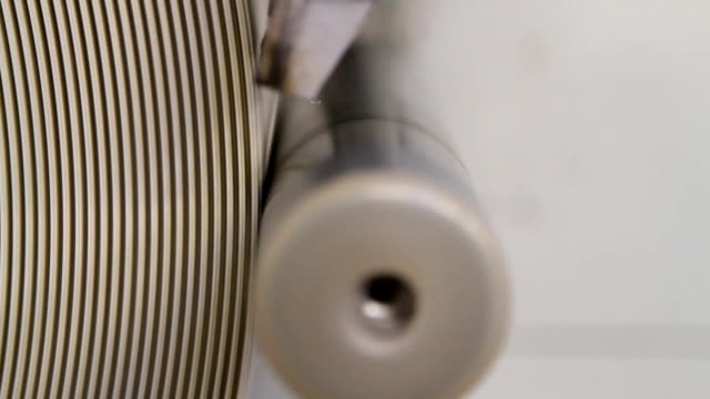 stockvideo's en b-roll-footage met strap wrapping machine - polyester