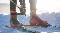 Strapping cross country ski boots