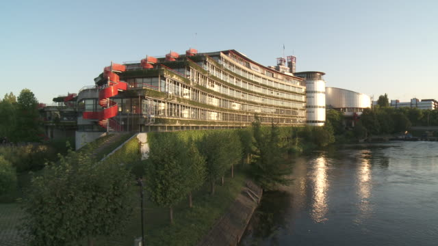vídeos de stock e filmes b-roll de strasbourg - estrasburgo