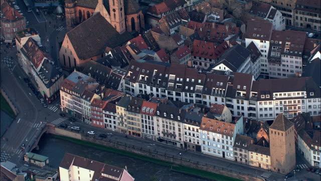 """vidéos et rushes de strasburg-vue aérienne de l """"alsace, bas-rhin, arrondissement-ville de strasbourg, france - strasbourg"""