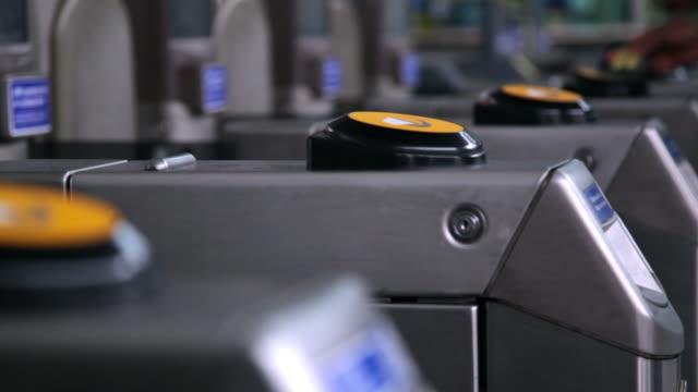 cu selective focus stratford station / london, england, united kingdom - 自動改札機点の映像素材/bロール
