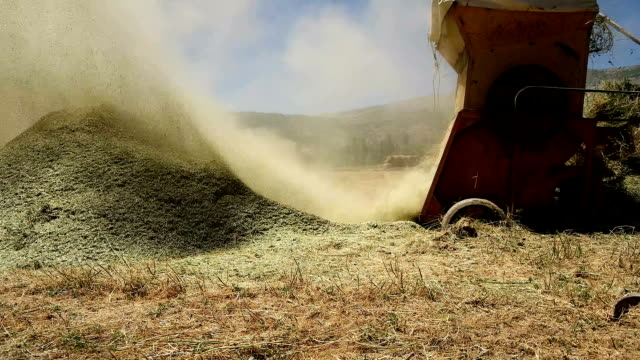 SLOW MOTİON - Straw Harvesting