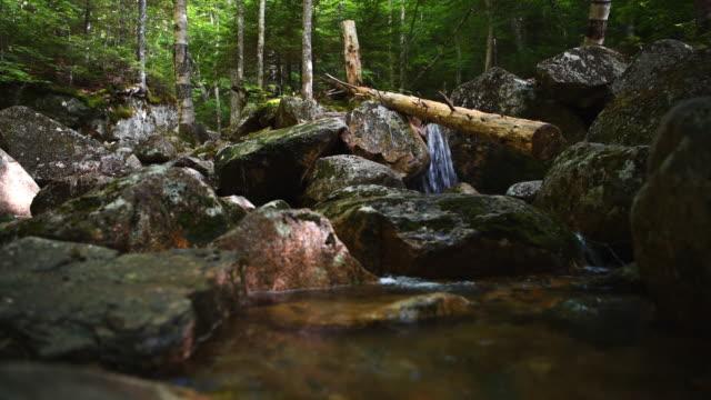 stockvideo's en b-roll-footage met stroom van stromend water - new hampshire