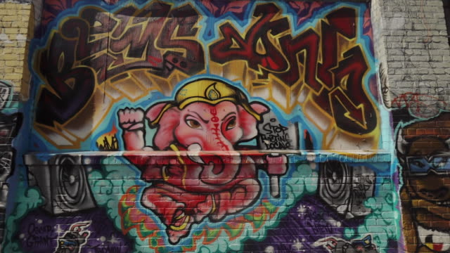 street art (graffiti) in clarion alley, san francisco, usa - mural stock videos & royalty-free footage
