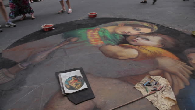 MH PAN Street Artist Painting on Sidewalk / Florence, Italy