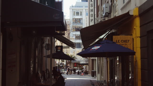 Street Cafes on Auckland Alleyway