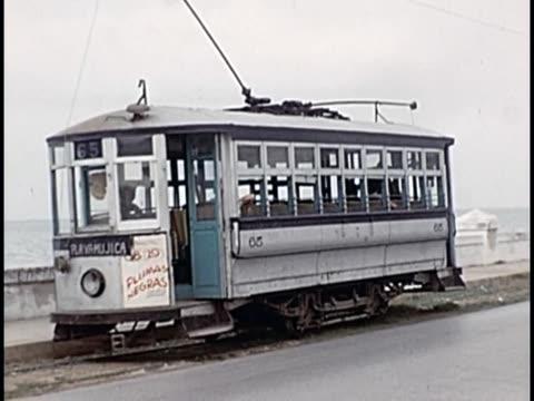 vidéos et rushes de 1955 street cars, havana, cuba - ligne de tramway