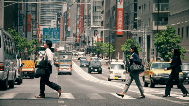 street crossing in tokyo business district - shirt and tie stock videos & royalty-free footage