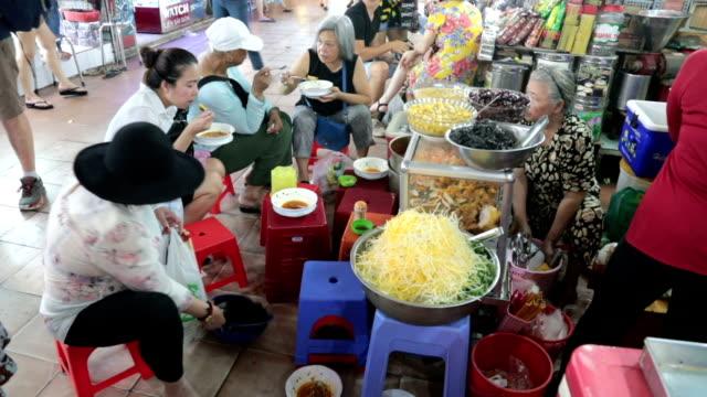street food in ben than market, ho chi minh city, vietnam - traditionally vietnamese stock videos & royalty-free footage