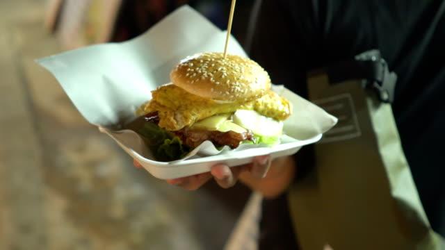 street food in night market Vang Vieng: Big Hburger