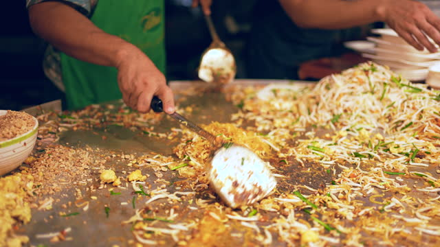 street food of thailand : pad thai - skill stock videos & royalty-free footage