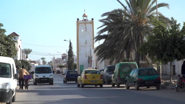 stockvideo's en b-roll-footage met straat in een rustige arabische stad in tunesië - tunesië